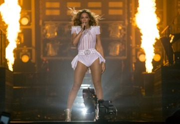 Beyonce at the Mohegan Sun Arena